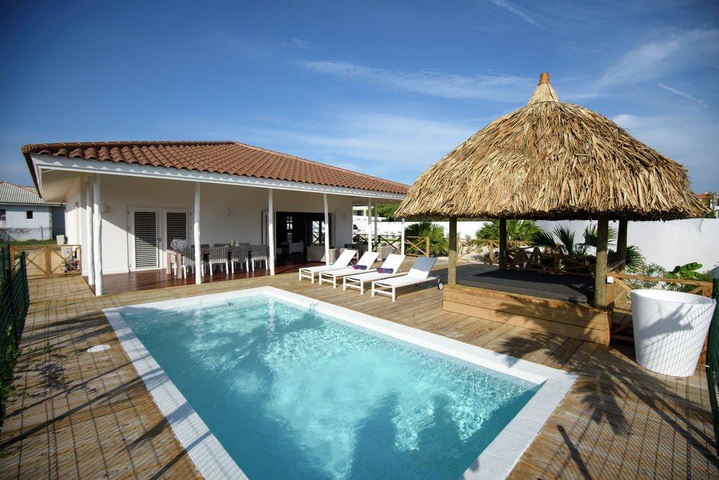 Boek uw vakantiehuis met een zwembad - Zwembad huis ...